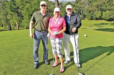 """Hans Jorg of 'Zunderorf"""" magazine, Elsa Mary Honecker of the Connoisseur Circle and the Golf Yearbook, Bernd Stegmaier Editor in chief of 'Golfen' magazine at the Nuwara Eliya golf course"""
