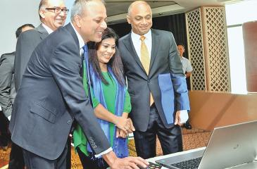 Minister Sagala Ratnayake launches the website