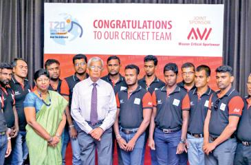 DSI officials with the national visually handicapped cricket team