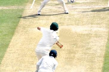 Kuldeep Yadav catches Pat Cummings off his own bowling