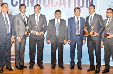 The BOC quiz team with Bank Executives
