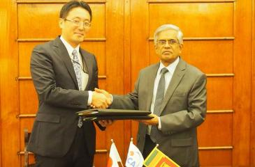 The agreement was signed by Secretary, Ministry of Finance and Mass Media, Dr. R. H. S.  Samaratunga and Chief Representative,  JICA Sri Lanka Office, Fusato  Tanaka.