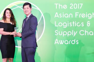 Head of Marketing and Commercial at CICT Catriona Jayasundera (left) receives the award in Singapore.