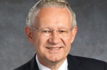 Dr. Aart de Geus