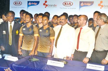 Royal principal B.A.Abeyratne (Center)  with  the team and  the other officials. Pic. Vipula Amarasinghe