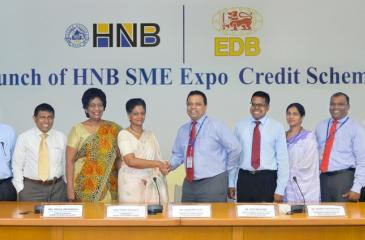 Jonathan Alles, Managing Director/CEO, HNB and Indira Malwatte, Chairperson and Chief Executive, EDB along with senior officials of their institutions and SME exporters of diversified industries at the launch of the scheme