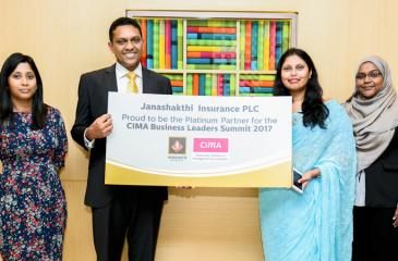 Jude Fernando, Chief Executive Officer, Janashakthi General Insurance Limited presents the sponsorship to Manohari Abeyesekera, Chairperson – CIMA Business Leaders Summit 2017 Organizing Committee. From left - Manindri Bandaranayake, Head of Marketing, Janashakthi Insurance PLC; Jude Fernando; Manohari Abeyesekera and Zahara Ansary, Country Manager – Sri Lanka, CIMA
