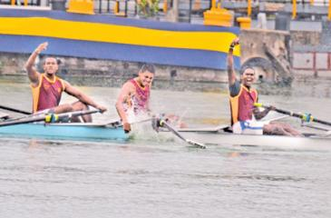 Ananda Rowers who outrowed the much facied Royalists and Thomians' finishing in great style. (Picture: Ranjith Asanka)