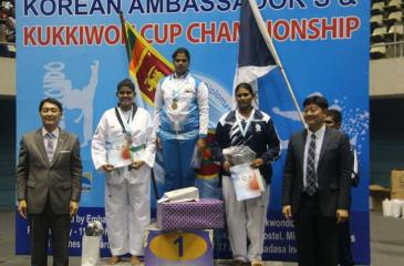 Victorious Air Women on the podium with the chief guest Korean Ambassador Wong Sam Changi and Wan Wong Sam after receiving their awards.