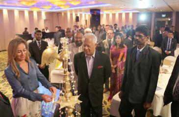 Minister Dr. Sarath Amunugama was the chief guest at the first Asia-Pacific Executives Forum at the Hilton Hotel, Colombo recently. The Forum focused on strategic development project in the country and promoting them internationally. It was facilitated by the USA-based American Academy of Project Management in partnership with local and overseas institutions.