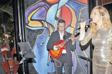 Kathryn Farmer, Shobi Perera – double bass, Revel Crake – guitar and Royle de Andrews – drums.  Pic: Saliya Rupasinghe