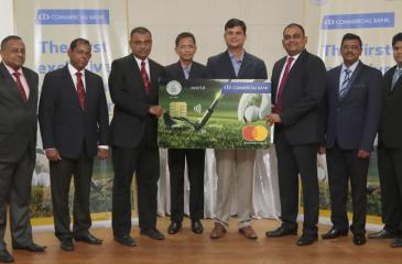 Commercial Bank DGM Marketing Hasrath Munasinghe, Mastercard Country Manager Sri Lanka and the Maldives, Santhosh Kumar, and CH17 CEO Jumar Preena (3rd, 4th and 5th from right) and Captain of the Nuwara Eliya Golf Club Firaz Hameed (3rd from left) at the launch of the co-branded credit card with representatives of the Bank and the Nuwara Eliya Golf Club.