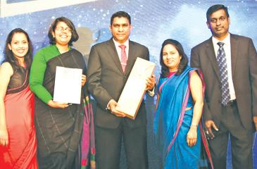 The Airtel Lanka team with the award