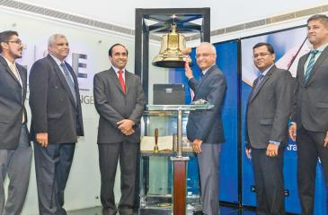At the Ringing of the Opening Bell ceremony. From left: Shehan Cooray, Deva Ellepola,  Rajeeva  Bandaranaike,Sumith Arangala, K. Maheshwaran and Dilshan  Wirasekara