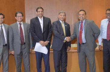 From left: Counsellor, Bangladesh High Commission, Md. Alimuzzaman, , Bangladesh High Commissioner M. Riaz Hamidullah, Board Director, HNB, Dinesh Weerakkody, Bangladesh State Minister of Finance, M.A. Mannan, MD/CEO, HNB Jonathan Alles, and Chief Operating Officer, HNB, Dilshan Rodrigo.