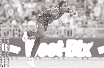 Jofra Archer in action
