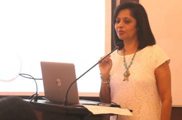 Parveen Dassenaike, Managing Director United Ventures making the presentation
