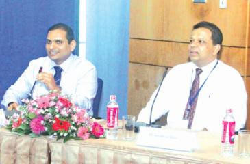 HNB officials at the investor forum   Pic: Chaminda Niroshana