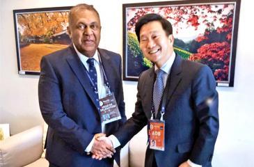 Minister Mangala Samaraweera with ADB Executive Director In-Chang Song.
