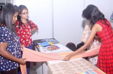 Pic:Chaminda NiroshanaVisitors at AISEX 2018