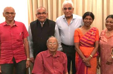 A S Jayawardena (seated) poses for a photograph with his former Central Bank colleagues at Bank House on January 13, 2018 at a dinner hosted by incumbent Governor, Dr.Indrajit Coomaraswamy in honor of Jayawardena's friend and contemporary Dr. Y Reddy, former Governor of RBI (second from left). Also seen in the photograph are former Deputy Governors of the Central Bank, W.A.Wijewardena (left) and Dr. Ranee Jayamaha (second from right)
