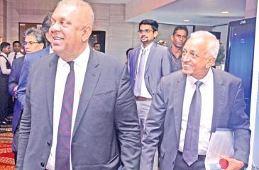 Ministers Mangala Samaraweera and Malik Samarawickreme at the Sri Lanka Investment and Business Conclave 2018. Pic: Vipula Amarasinghe