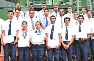 The medal winners (front row) with Chairman SLITHM, Sunil Dissanayake (center second row), DG SLITHM, Buddhika Hewawasam and faculty members.