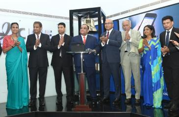 Vallibel chief Dhammika Perera at the 'Bell Ringing'  ceremony to mark Vallibel One's entry into the S&P SL 20 Index at  the Colombo Stock Exchange (CSE) last week.