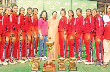 The Under-19 netball Champions team from Holy Family Convent Kurunegala comprising Methma Dayaratne, Suramya Welagedara, Pabasara Tennakoon, Nipunika Navaratne, Upekshi Perera, Sethmi Danushki, Oshadi Jayasundera, Ishara Dharmasiri, Savini Anupama, Sajinthra Ranasinghe, Meesha Silva and Amalka Wannithilaka head coach