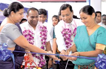 Ceremonial opening of SDB bank's new branch in Piliyandala (L-R) Kesbewa Divisional Secretary - Ms. Y.K.S. Jeewamala, Piliyandala Trade Association Chairman - Mr. Chanaka Jayasinghe, Piliyandala Branch Manager – Mr. Anuranga Karunadasa, SDB bank's GM / CEO - Mr Nimal C. Hapuarachchi and SDB bank's Chairperson - Ms. Samadanie Kiriwandeniya.