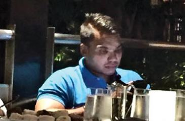 MP Namal Rajapaksa seen at the Hilton Colombo on Tuesday (4) evening, the night before his janabalaya rally in Colombo. His brother Yoshitha was spotted at the same hotel last afternoon