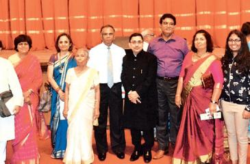 Anula de Silva (5th from left) with Founder of Stree Shakti, Rakha Mody and President of Stree Shakti, Dr. Arati Sexena, Vice Chancellor of the Ruhuna University, Prof Gamini Senanayake and other invitees after the award ceremony