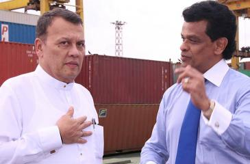 Minister of Ports and Shipping Mahinda Samarasinghe and the Chairman of Sri Lanka Ports Authority (SLPA) Dr.Parakrama Dissanayake on a visit to the Jaya Container Terminal.