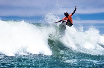 Lesitha Prabath conquers the waves
