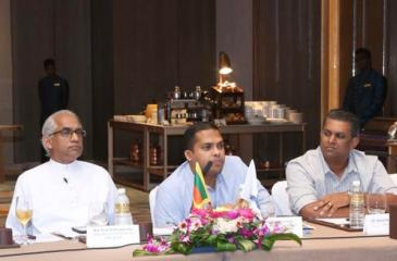 The head table (from left): Senior Vice Chairman, COYLE, Aminda Rodrigo, State Minister of Finance and Mass Media, Eran Wickramaratne, Cabinet Minister of Telecommunications and Digital Infrastructure, Harin Fernando, Chairman, COYLE, Dinuk Hettiarachchi, and Vice Chairman, COYLE, Dinesh Jayawardena.