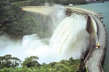 Victoria Dam: spill gates