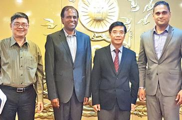 From left: Deputy Director General International Relations Department VCCI, Nguyen Van Hai, CEO Mitra Innovation, Dr. Ashok Suppiah, Vice Executive President of the VCCI, Dr. Doan Duy Khuong, Managing Director of Mitra Innovation, Dammika Ganegama.
