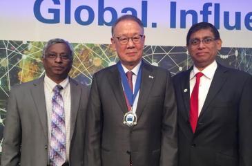 CA Sri Lanka President Jagath Perera and Immediate Past President Lasantha Wickremasinghe with the new IFAC President Dr. In-Ki Joo.