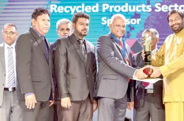 Chairman and Managing Director, Kalhari Group of Companies  Kaushal Rajapaksa receives  the Gold Award for Recycled Products at  the NCE Export Awards 2018.