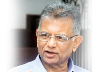 Dr. Chandra Embuldeniya                 Pic by Chaminda Niroshana