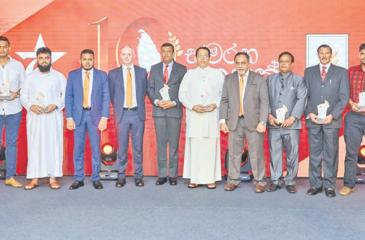 Distributors who have completed 10 years with Serendib Flour Mills.