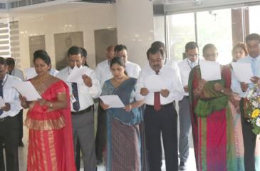 The staff taking the Government Service Oath with the Chief Executive Officer and General Manager N. Vasantha Kumar