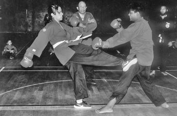 Aanya Gunawansa (left) in a free fight with Amanullah