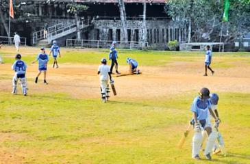Junior players from Sri Lanka and Australia in action