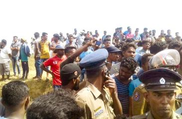 Rampaging mob in Kinniya
