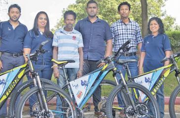 From left: SLT Project Manager Harshana Henarath, Manager, SLT, Umesha Sandarenu, father of second runner-up, Manoranjitham Pushparasa, winner Imanka Wimalsiri, first runner-up Duwage Prasanna and Deputy General Manager, SLT Nilanthi Jayakody.