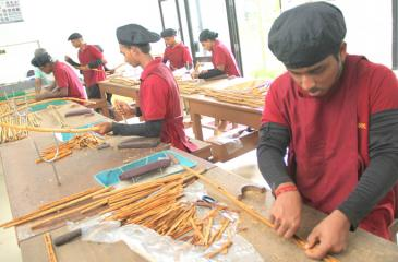 Activities at the training academy for cinnamon technicians in Kosgoda is picking up. File pic: Lake House Media Library