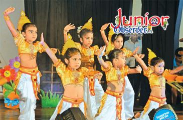Glittering dancers!