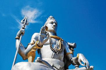 One of the most important festivals commemorating Shiva: People celebrate and show gratitude towards the god for being a compassionate care taker and protector of all on Maha Shivratri. (Source: Wikimedia Commons)