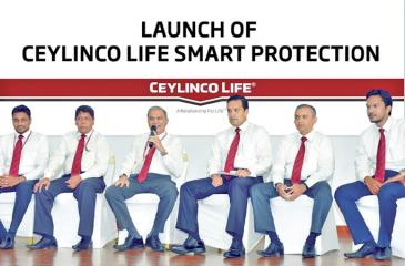 Ceylinco Life Managing Director/CEO Thushara Ranasinghe (third from left) and the Product Development Team at the launch of Smart Protection